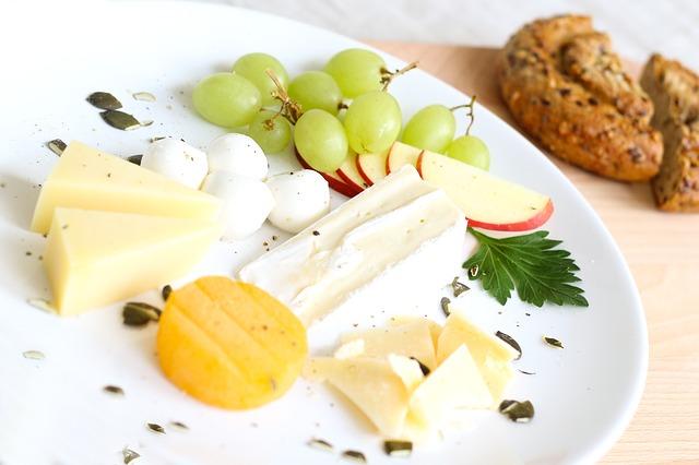 sýry s ovocem