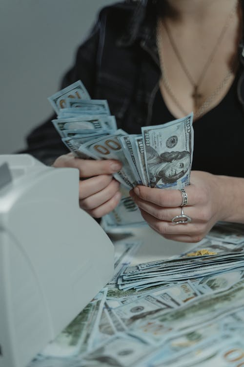 peníze přepočítávání